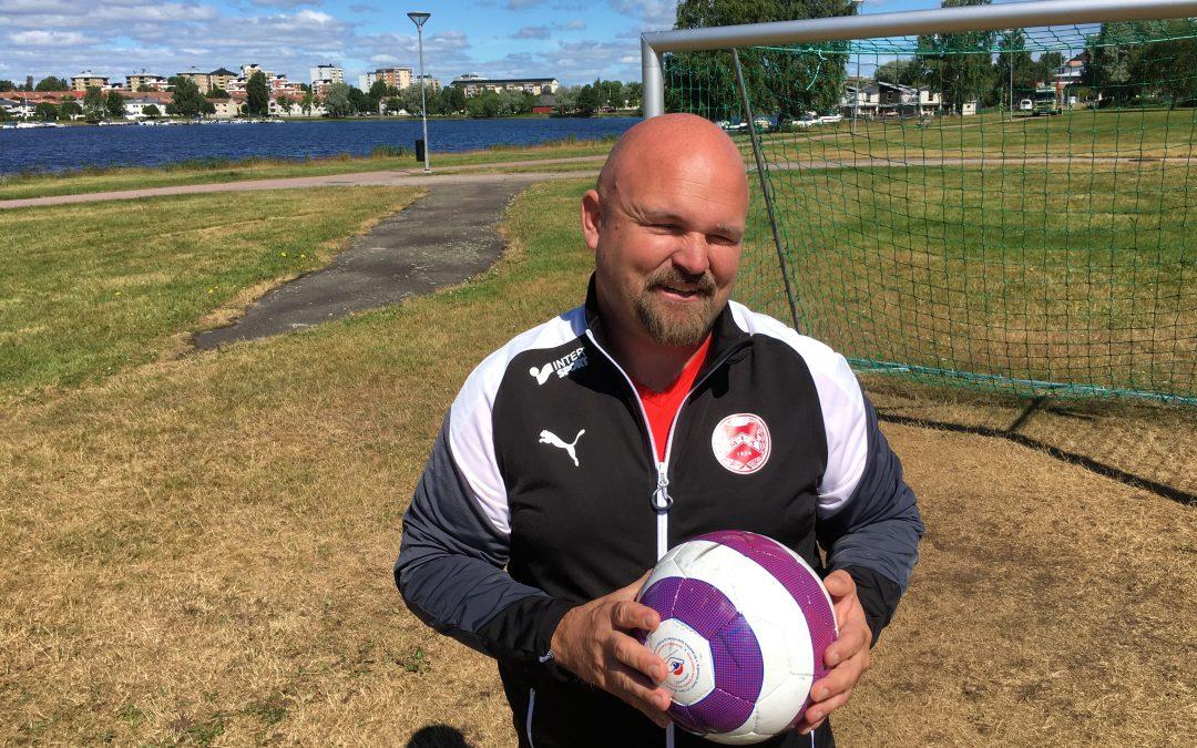 Jan Thorin spelar fotboll igen – 20 år efter synskadan