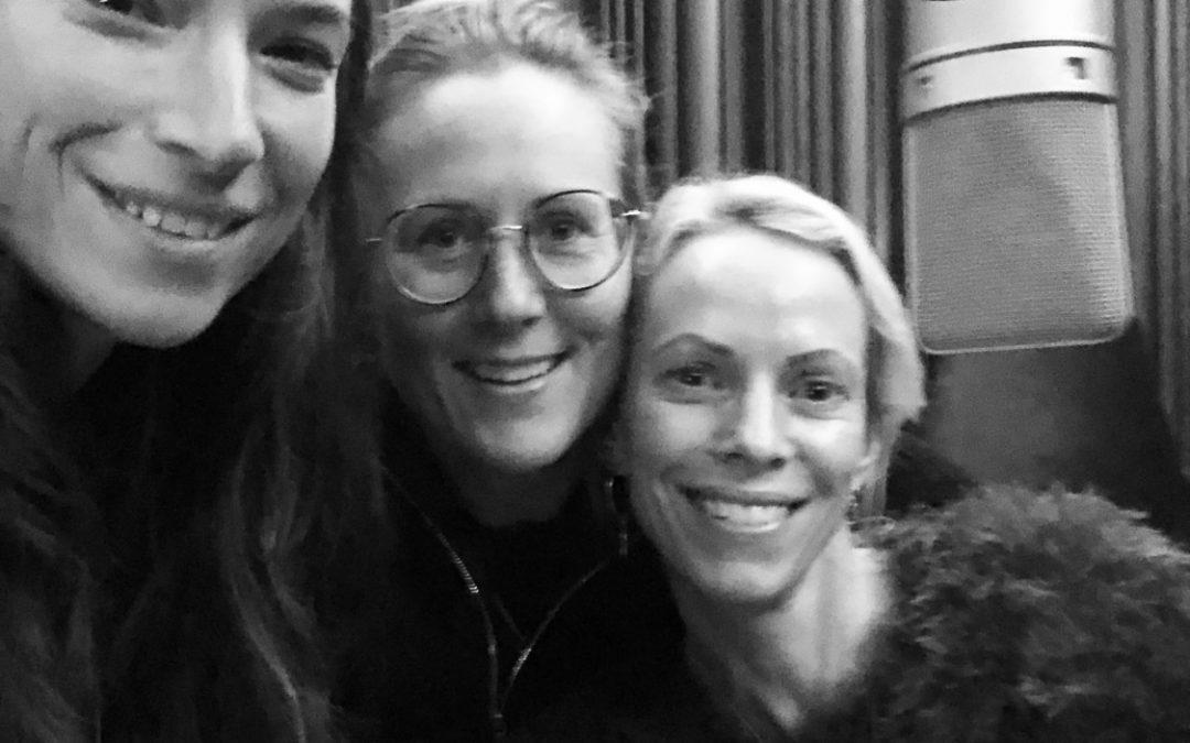 """Funkismorsorna om sin populära podcast: """"Vi är tre vanliga mammor till ett gäng speciella och härliga barn."""""""